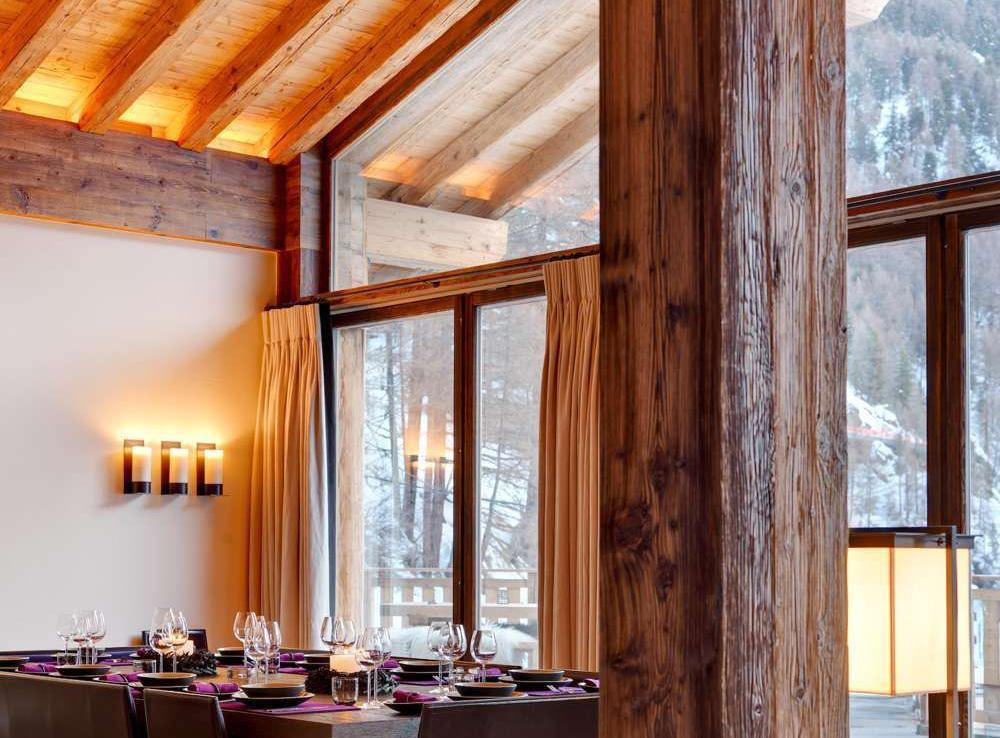 Kings-avenue-zermatt-wifi-sauna-jacuzzi-hammam-childfriendly-cinema-fireplace-grand-piano-lift-wellness-steam-room-plunge-pool-area-zermatt-001-10