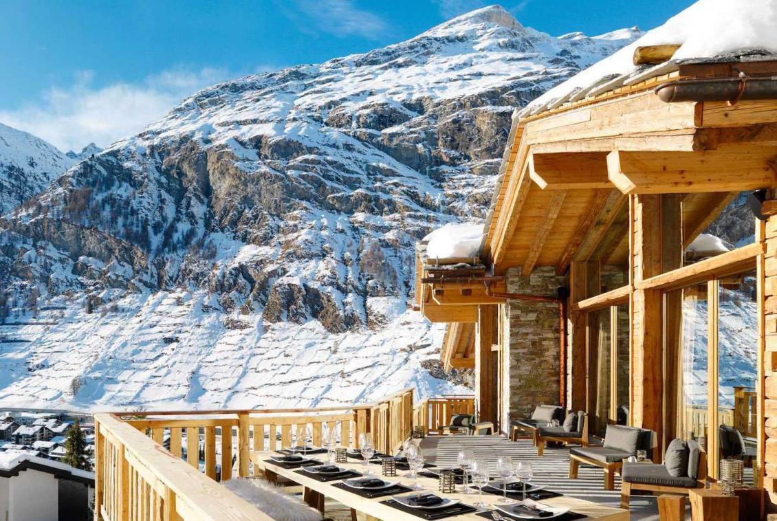 Kings-avenue-zermatt-wifi-sauna-jacuzzi-hammam-childfriendly-cinema-fireplace-grand-piano-lift-wellness-steam-room-plunge-pool-area-zermatt-001-4