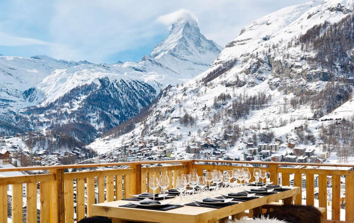 Kings-avenue-zermatt-wifi-sauna-jacuzzi-hammam-childfriendly-cinema-fireplace-grand-piano-lift-wellness-steam-room-plunge-pool-area-zermatt-001-5