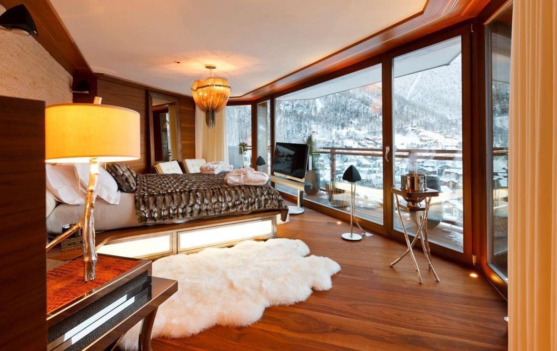 Kings-avenue-zermatt-wifi-sauna-jacuzzi-hammam-childfriendly-gym-fireplace-terrace-balconies-wellness-area-gaming-lift-area-zermatt-002-12