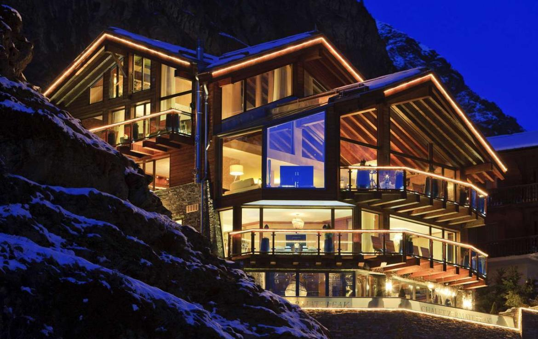 Kings-avenue-zermatt-wifi-sauna-jacuzzi-hammam-childfriendly-gym-fireplace-terrace-balconies-wellness-area-gaming-lift-area-zermatt-002-2
