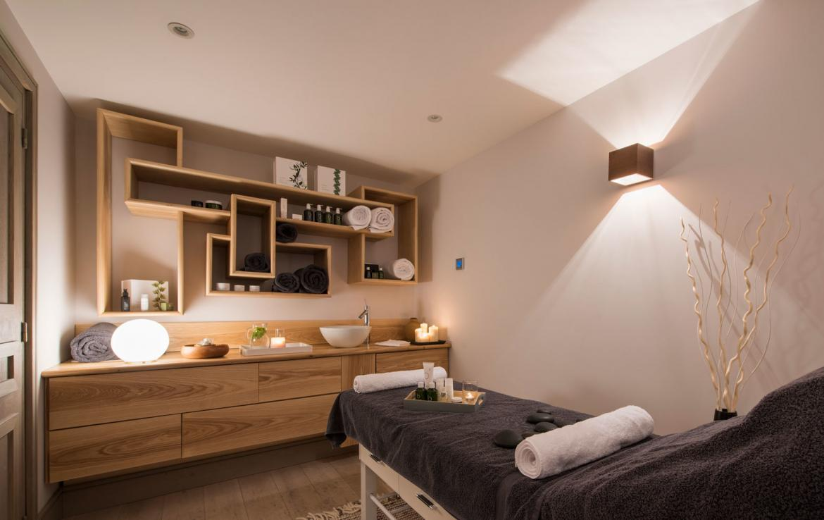 MASSAGE-ROOM-CHALET-MERIBEL