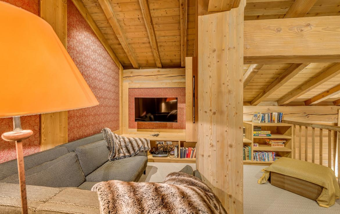 TV-SNUG-CHALET-IN-VAL-DISERE-FRANCIA