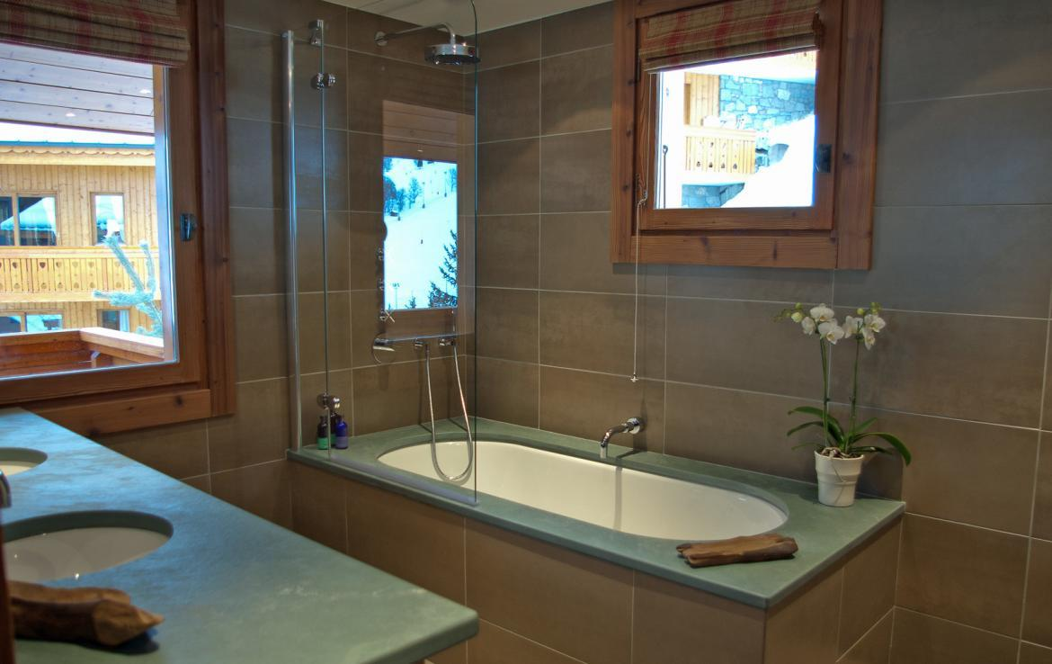 bathroom-5-in-chalet-meribel-for-rent
