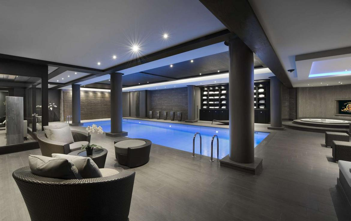 kings-avenue-luxury-chalet-courchevel-009-spa-area-with-indoor-swimming-pool