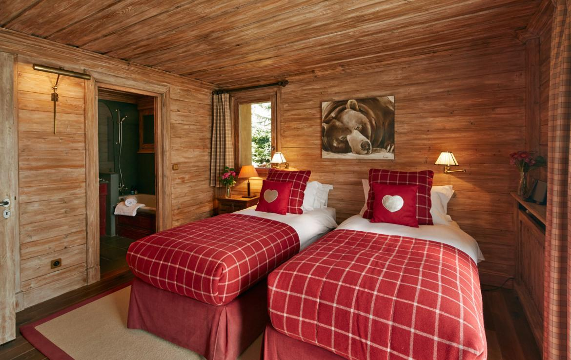 luxury-bedroom-in-chalet-meribel-for-rent