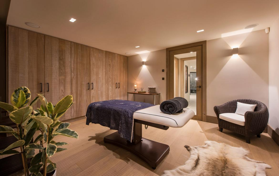 massage-room-chalet-meribel-to-rent
