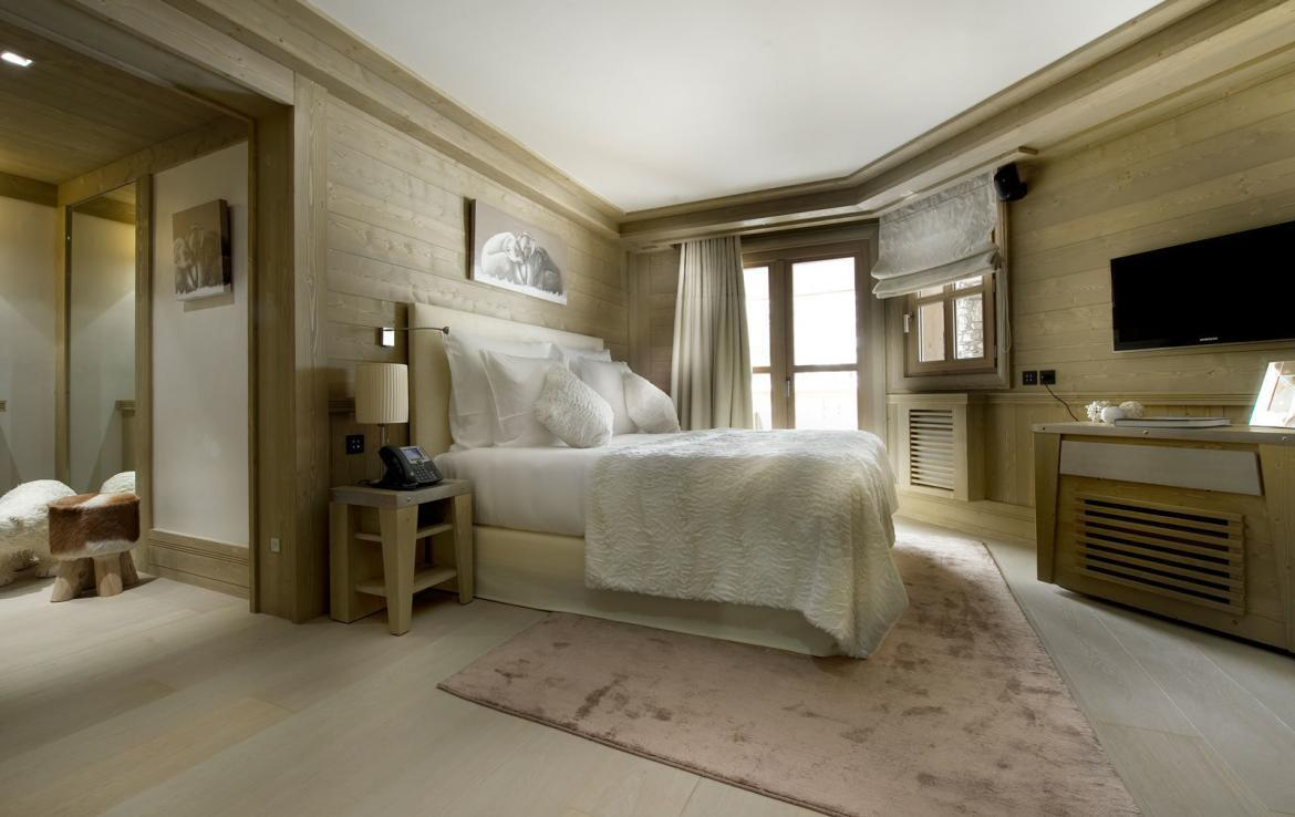 bedroom-in-chalet-courchevel