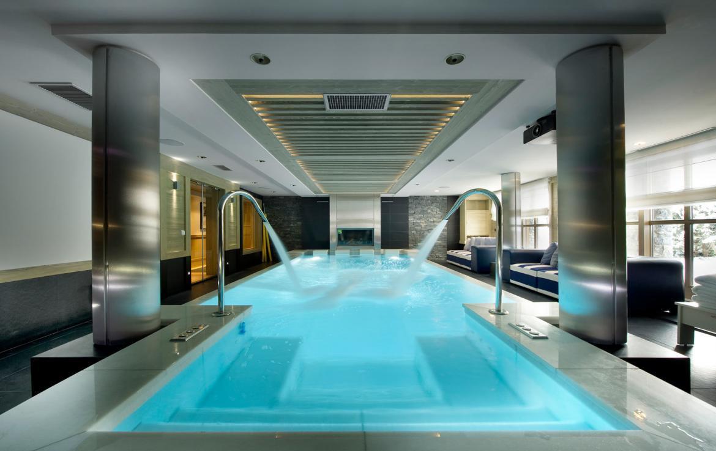zwembad-in-chalet-in-courchevel-frankrijk