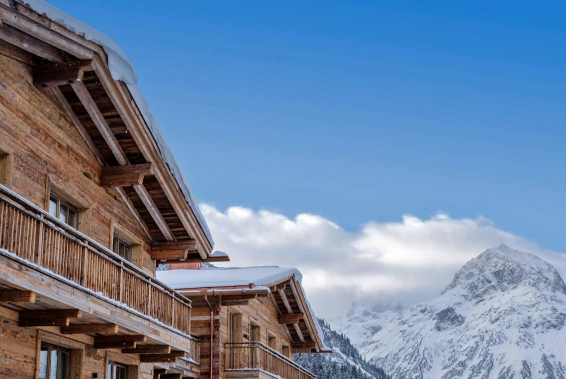 exteriour of chalet in lech
