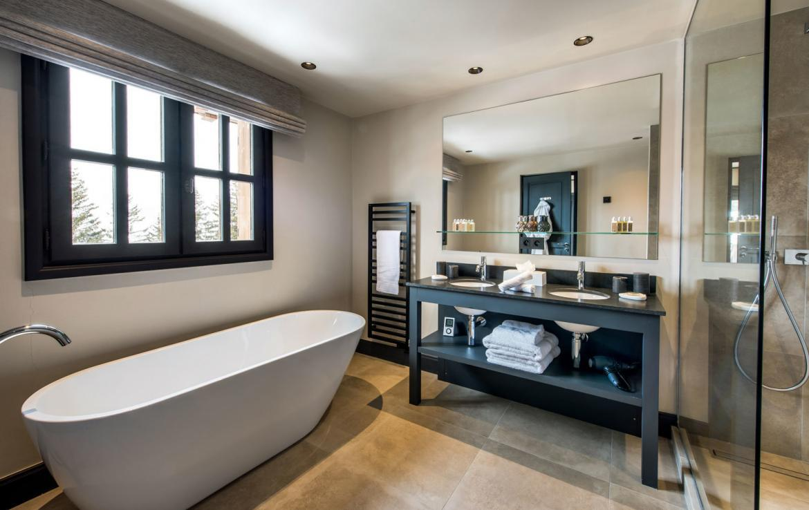 bathroom-chalet-meribel