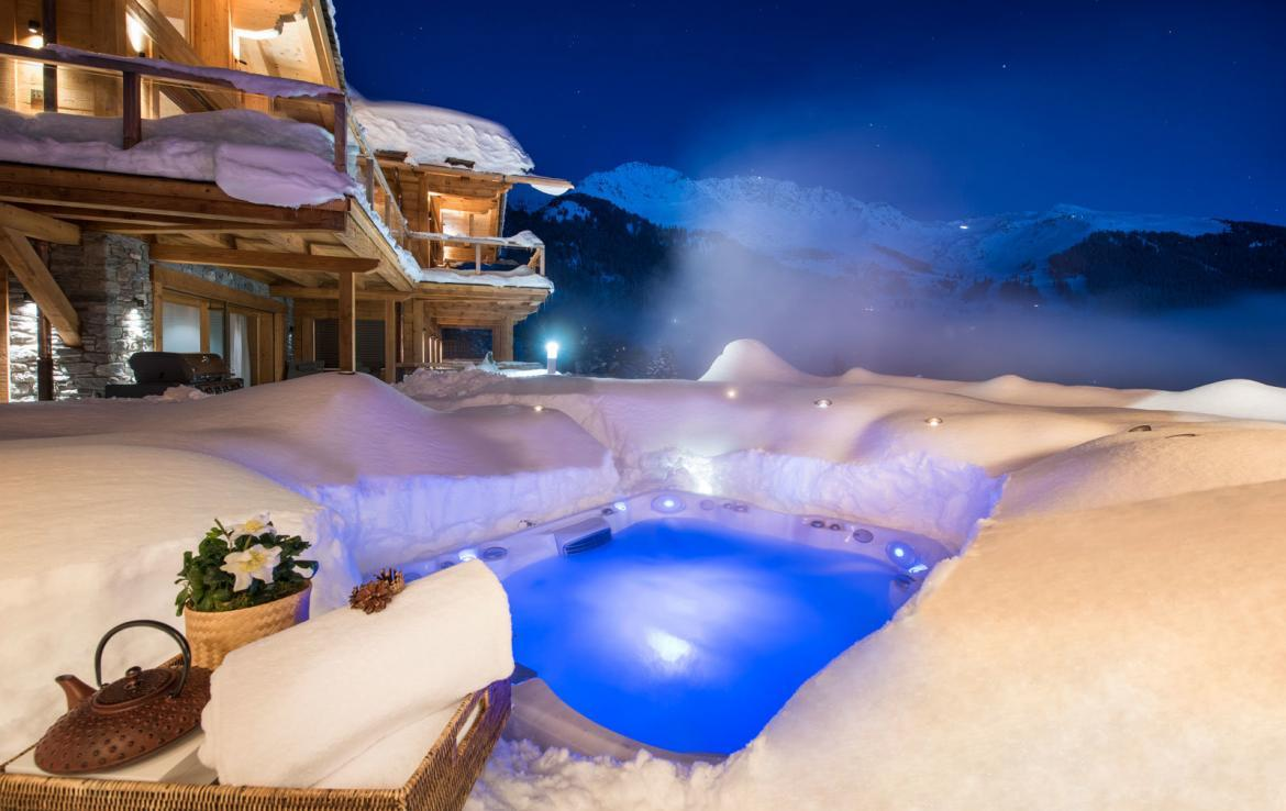 outdoor-jacuzzi-verbier-kings-avenue