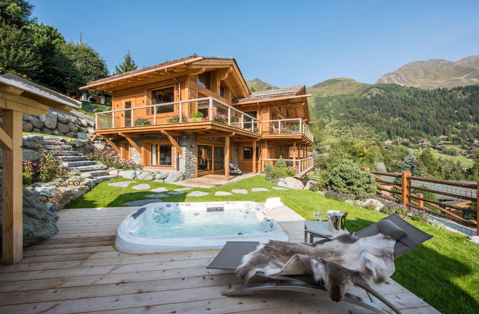 summer-luxury-in-verbier-switzerland