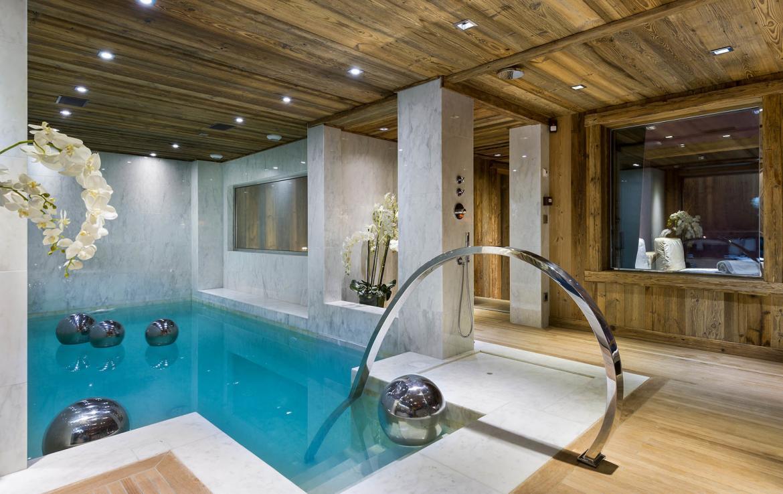 pool chalet carat