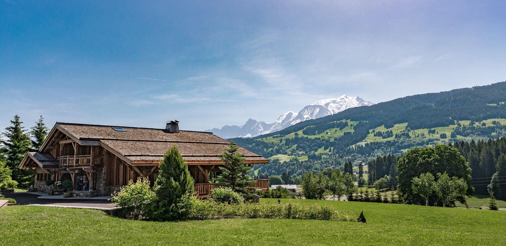 Kings-Avenue-Ultra-Luxurious-Chalets-Ultima-Megève-Mont-Blanc-View