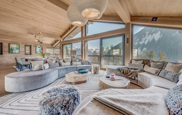 cOURCHEVEL mORIOND lUXURY